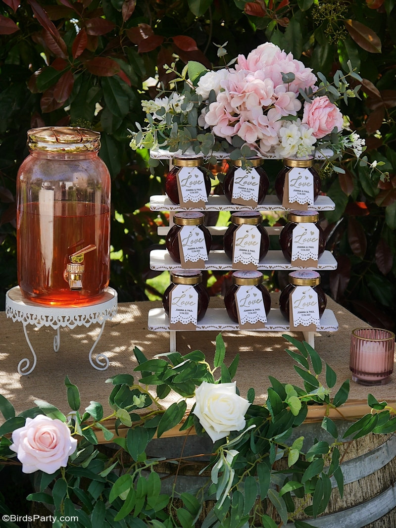 DIY Ideas for a Backyard Wedding - easy, budget DIY décor and favors for celebrating your micro wedding in your backyard or small outdoors venue! #by BIrdsParty.com @BirdsParty #wedding #diywedding #backyardwedding #gardenwedding #samllwedding #weddingfavors #weddingideas #weddingdecor