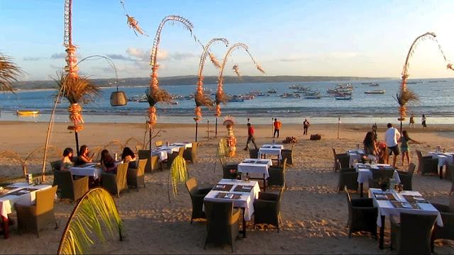 Pantai Jimbaran adalah Tempat Romantis di Bali