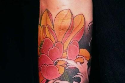 Flor De Loto Tattoo Hombre Mano