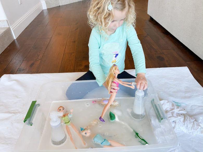 indoor activities for kids - hand washing sensory bin