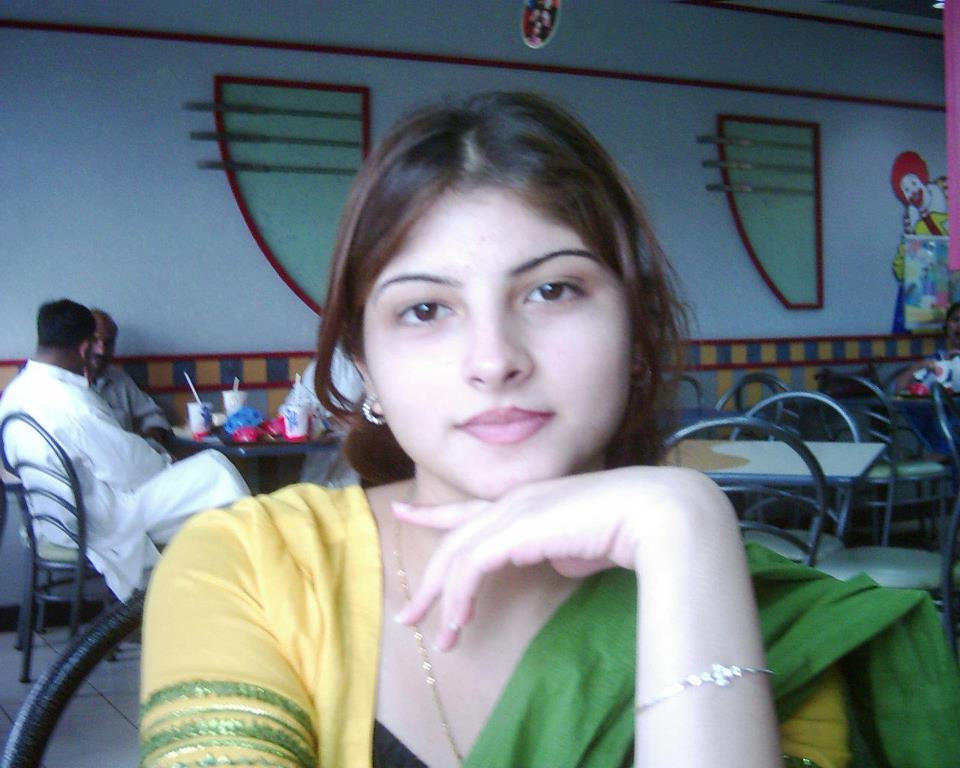 Muslim Girl Wallpapers For Mobile Phones City Mianwali Super Hottest Beautiful Indian Pakistani