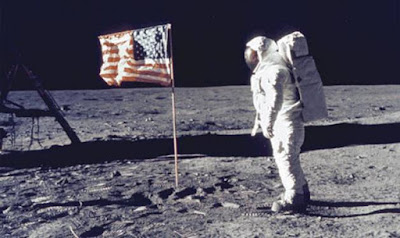 ¿Se puede ver desde la Tierra las banderas norteamericanas en la Luna?