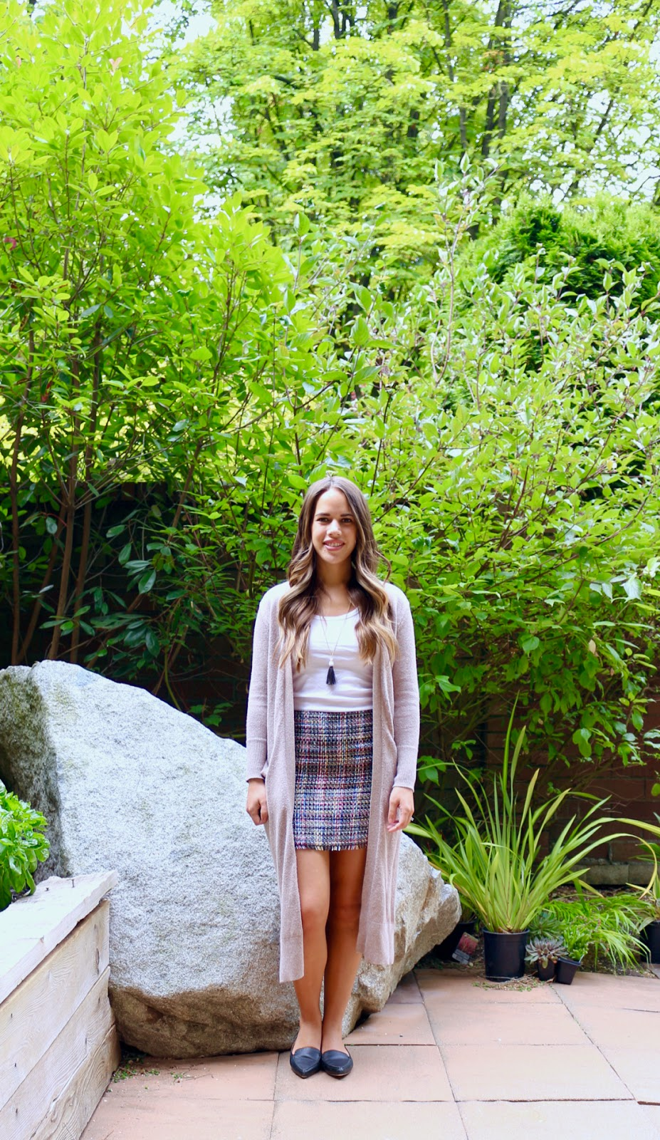 Jules in Flats - H&M Tweed Mini Skirt + Duster Cardigan (Business Casual Spring Workwear on a Budget)