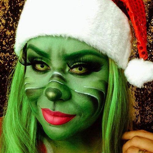Maquillaje de fantasía del Grinch con pestaña postiza y lentillas