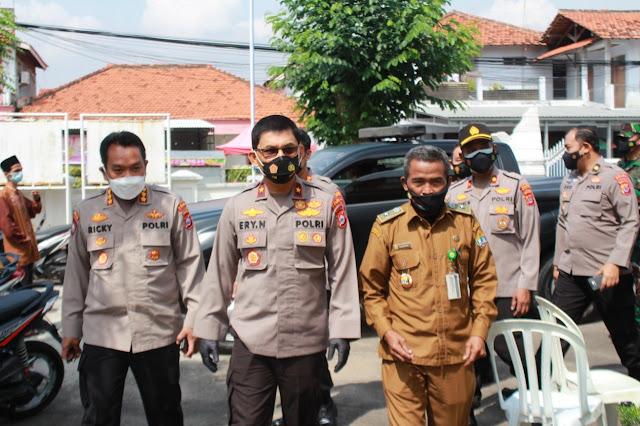 Wakapolda Banten Tinjau Pelaksanaan Vaksinasi di Kelurahan Serang dan Puskesmas Taktakan