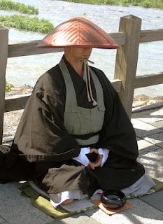 penyamaran ninja pendeta budha shukke