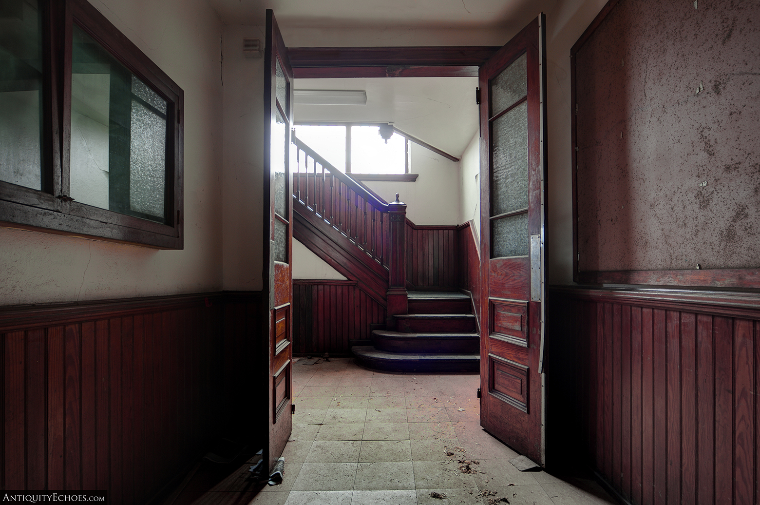 Third Presbyterian - Woodwork and Master Stair