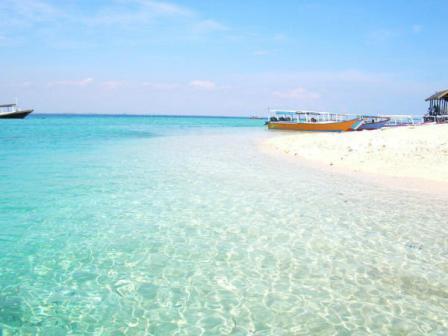 Menikmati Keindahan Alam Laut di Pulau Kodingareng Keke