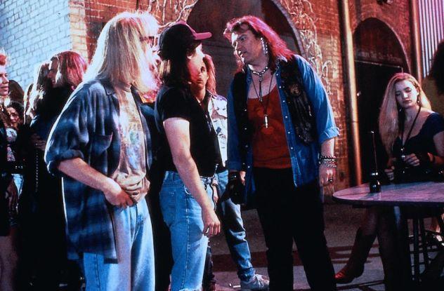 Meat Loaf haciendo un cameo en la película Wayne's World