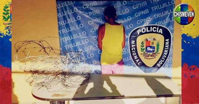 PNB detuvo a recogelatas por robarse un amasijo de Alambre de Púas oxidado