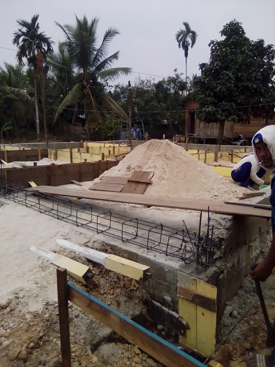 Tak Ada Plang Pembangunan Dua Rumah Ibadah, Kades dan Tetua Adat Desa Marapit Resah