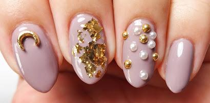 Mauve and Gold Nails