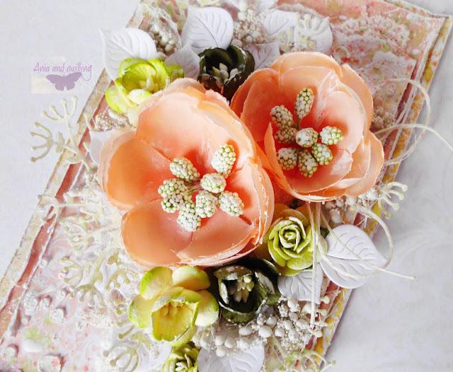detale kompozycji -kwiaty, listki i in.