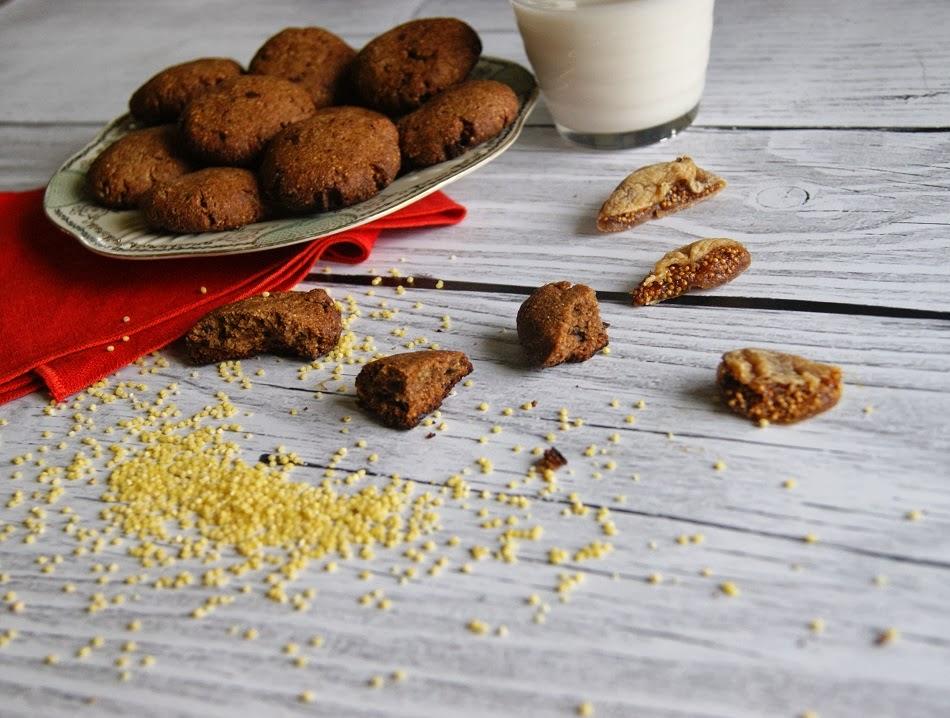 Ciasteczka jaglane z figami i tahini