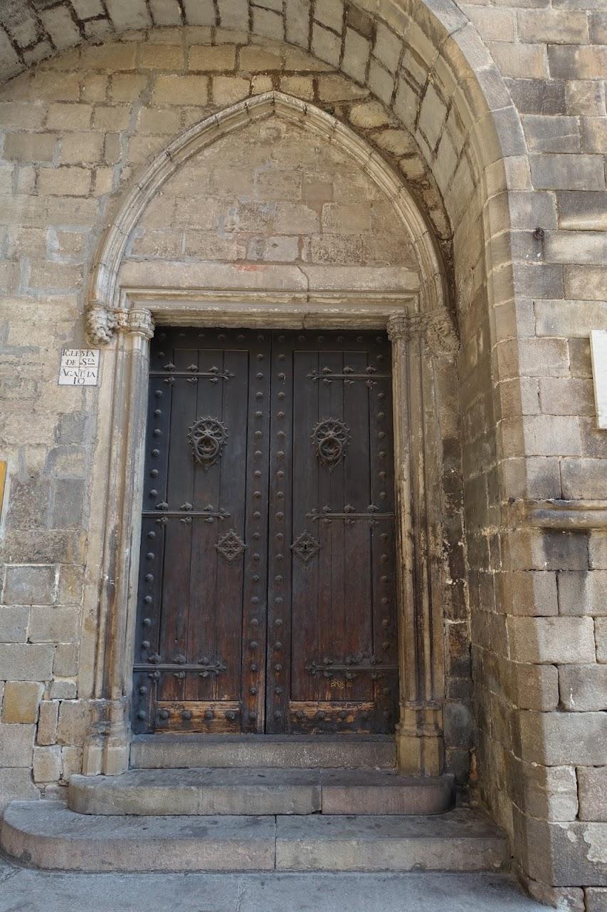 アガタ礼拝堂(La capella palatina de Santa Àgata)のドア