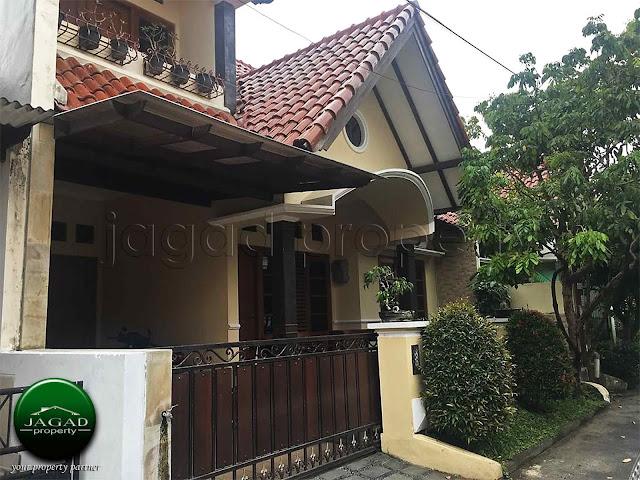 Rumah dalam Perumahan dekat JEC