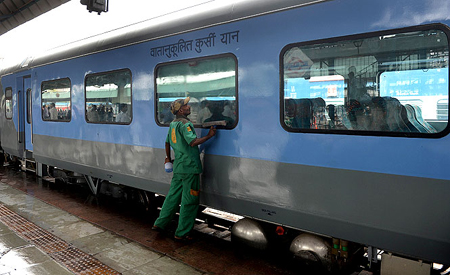 First Semi High Speed Rail in India. First High Speed Rail in India. Gathiman Express  High Speed Rail in India