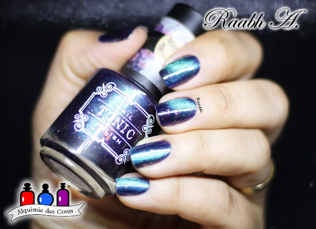 Tonic Polish Becoming, Tonic Polish, Tonic Polish Holiday Duo 2017, Esmalte Magnético, Flocado, Multichrome, Azul, Roxo, Raabh A. 2018, unhas carimbadas, Nicole Diary