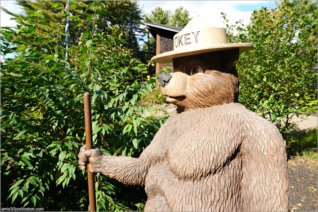 El Oso Smokey en Kittery, Maine
