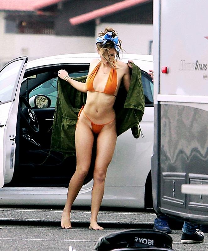 Bella Thorne Hot Bikini Photos