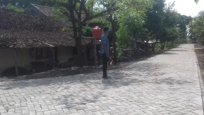 Dana Desa Wonoayu, Madiun Untuk Pavingisasi Jalan Desa