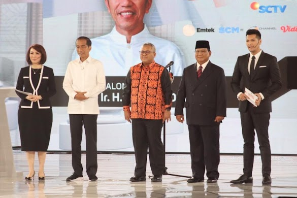 Prabowo Makin Melenggang, Lawannya Kian Terjengkang