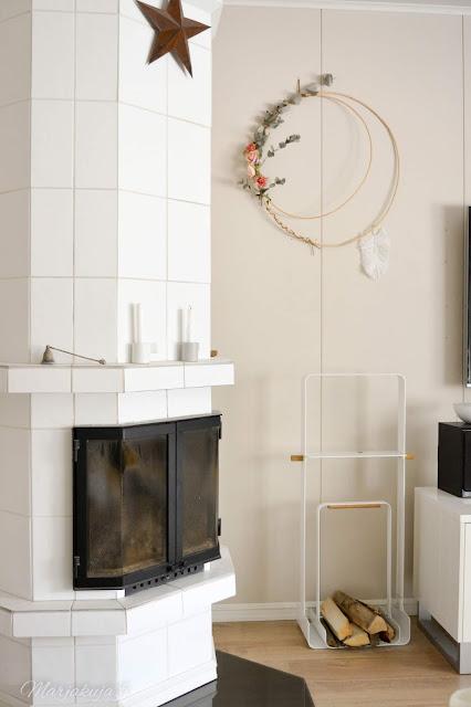 stala puunkantoteline  halltex taika seinä tekstiili sisustus sisustuslevy olohuone takka