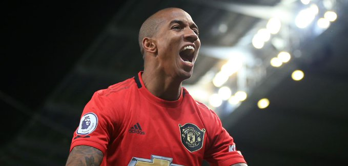 OMG! Manchester United Offer Ashley Young One-year Contract Extension