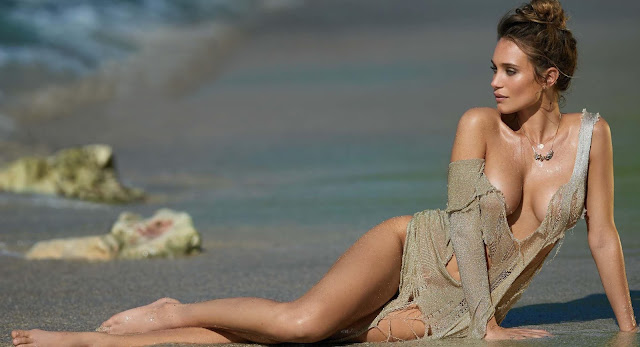 Hannah Davis sin ropa en Maxim
