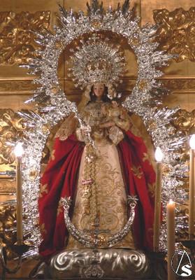 Resultado de imagen de salida procesional de la Virgen de Montemayor san juan de la palma