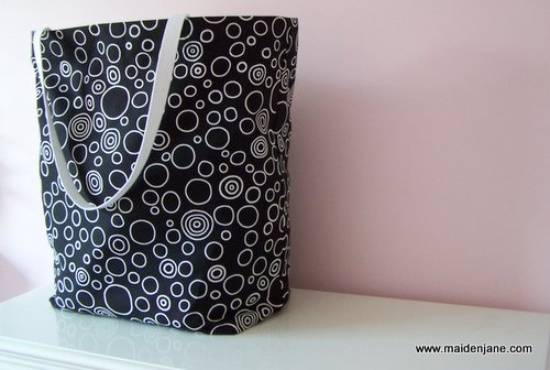 New In the Shop – Black & White Mod Circles Oversized Beach Tote