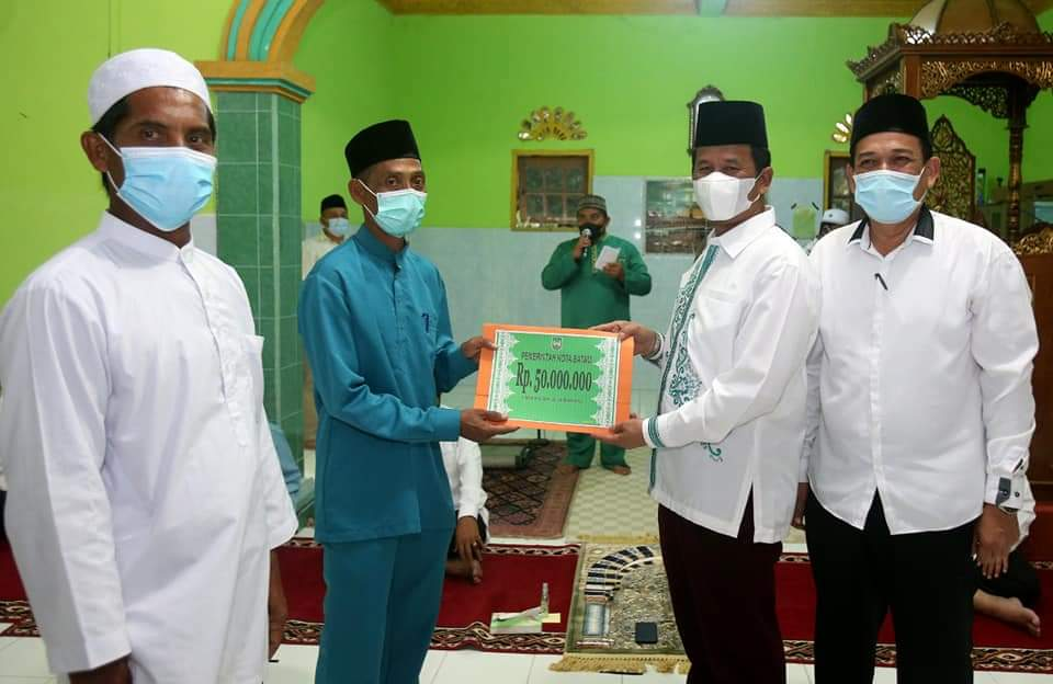 Awali Safari Ramadhan 1442 Hijriah,, Rudi Sambangi Pulau Pecong dan Pulau Kasu