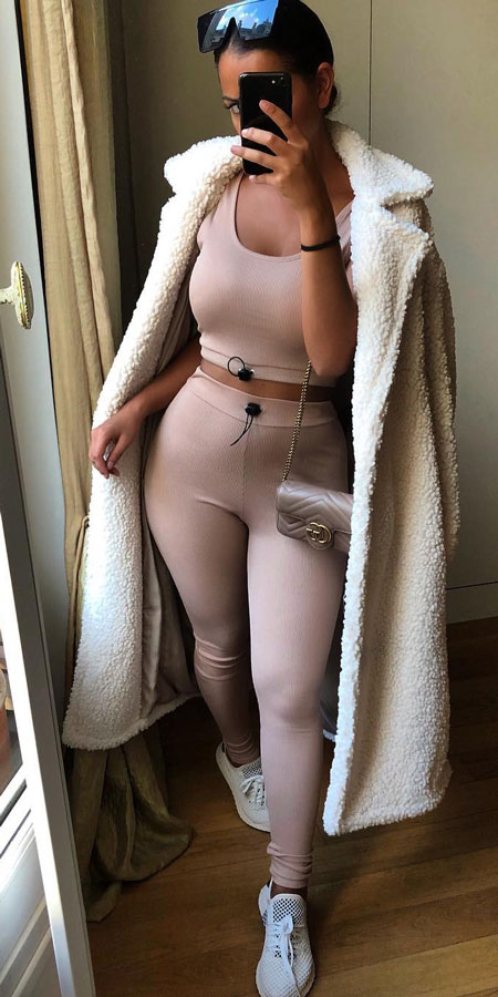 27+ Simple Winter Outfits To Make Getting Dressed Easy. fashion winter winter clothing winter style outfits casual style winter winter style casual casual winter style #fashionable #fashionblogger #fashiondesign #fashionblog