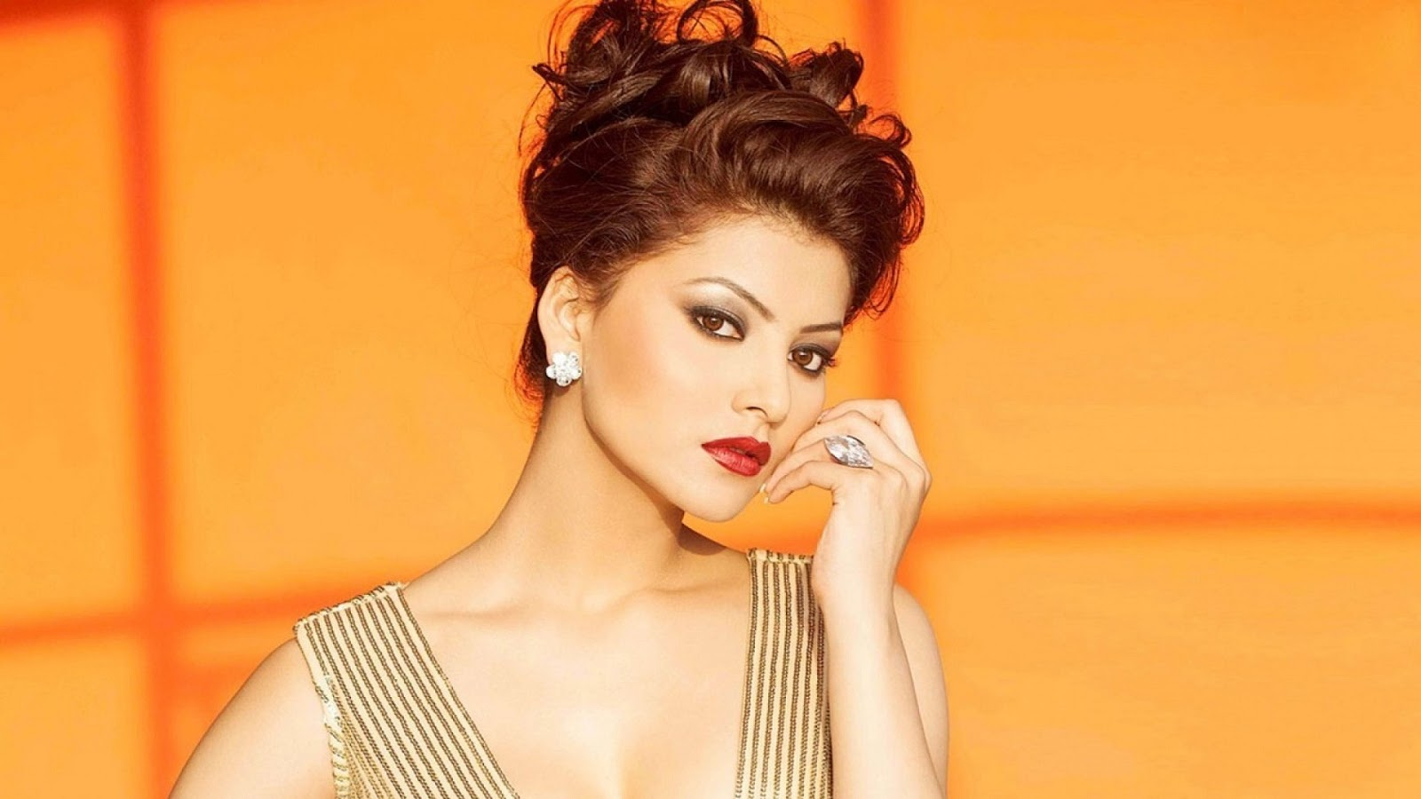 Urvashi Rautela Hd Wallpapers 1920X1080 - Hot Photoshoot -7106