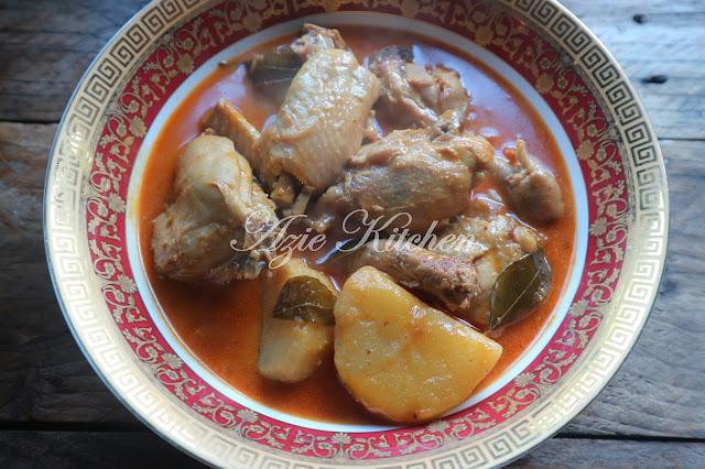 Kari Ayam Menggunakan Noxxa