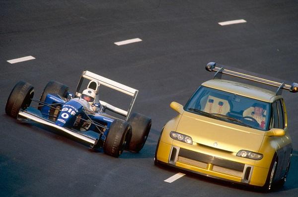 Renault Espace F1 y Williams-Renault FW15C