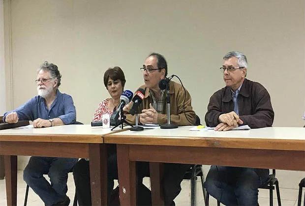 """Exministros de Chávez llaman a """"defender"""" la Constitución y dicen: """"La ANC es ilegítima"""""""