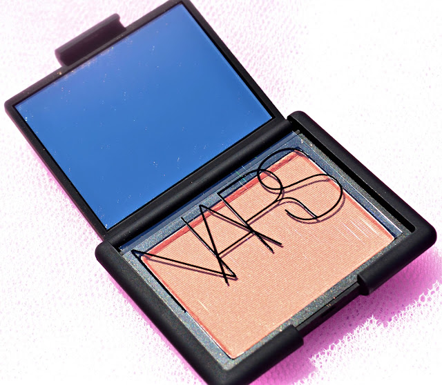 Open compact of the NARS blusher