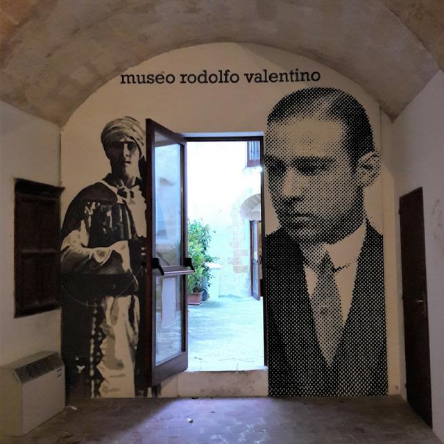 Cosa fare a Castellaneta, il museo di Rodolfo Valentino