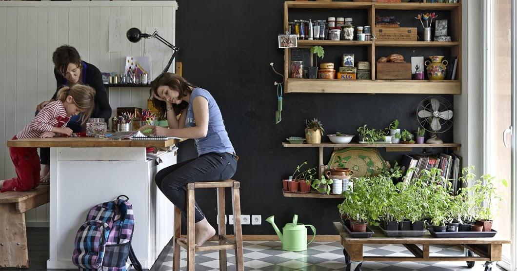 une maison de famille eco friendly. Black Bedroom Furniture Sets. Home Design Ideas