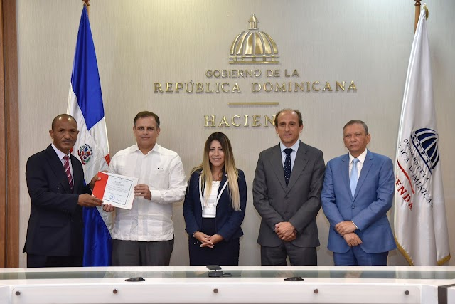 Gobierno dominicano adquiere el control del 100 % de las acciones de REFIDOMSA