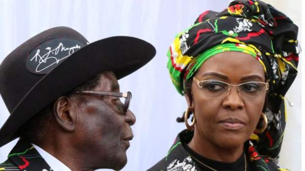 Mugabe arrives in South Africa amid family crisis