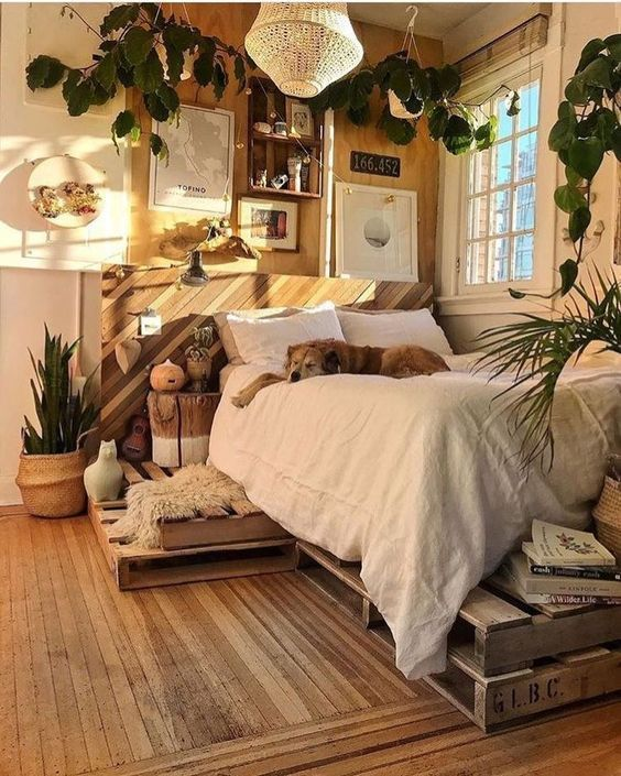 Rustic Bedroom Idea for Creative People