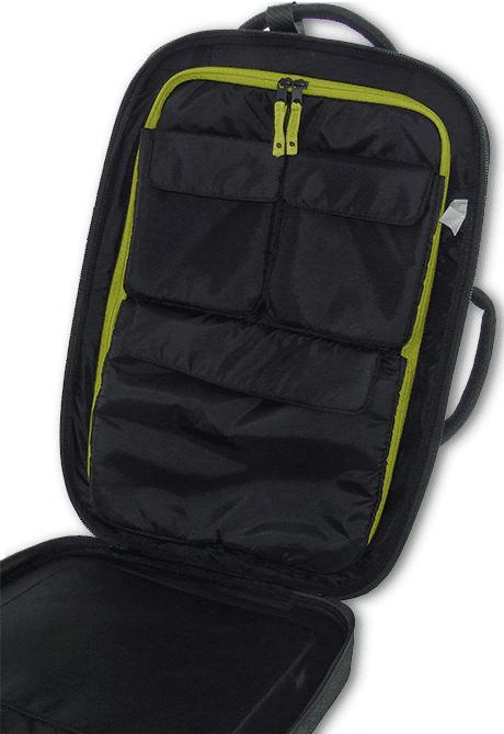 incaseスーツケースの分割ポケット