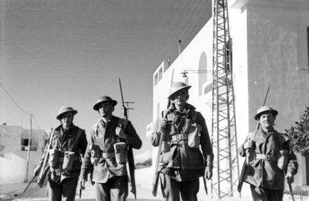 25 January 1941 worldwartwo.filminspector.com Australian soldiers Tobruk