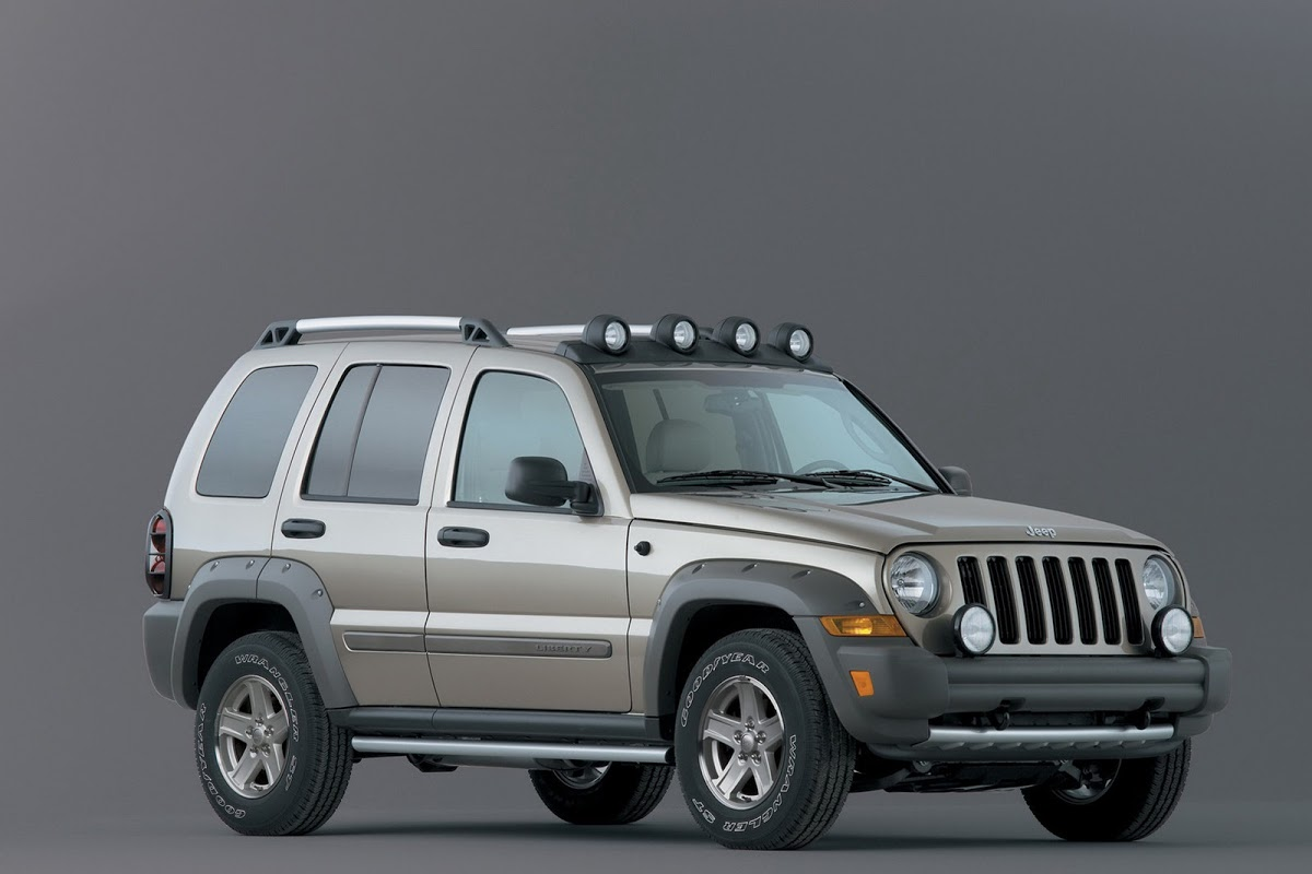 safety concerns raised after woman dies in jeep liberty. Black Bedroom Furniture Sets. Home Design Ideas