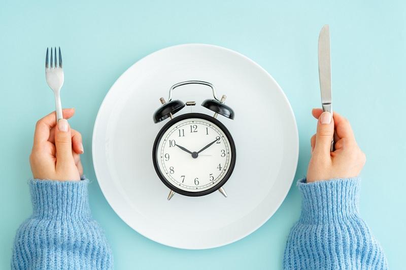 11 Benefícios do Jejum Intermitente à Saúde