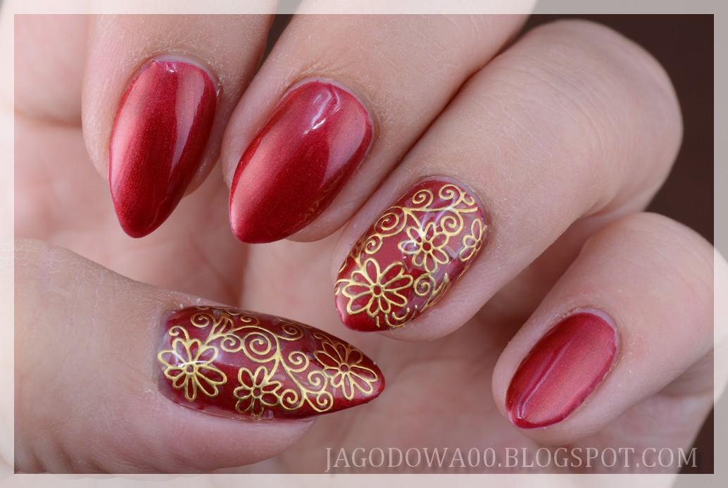 Jagodowa W świecie Lakierów Nail Art And Lacquers Złote Kwiaty