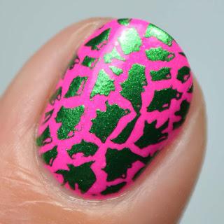 giraffe print nail art