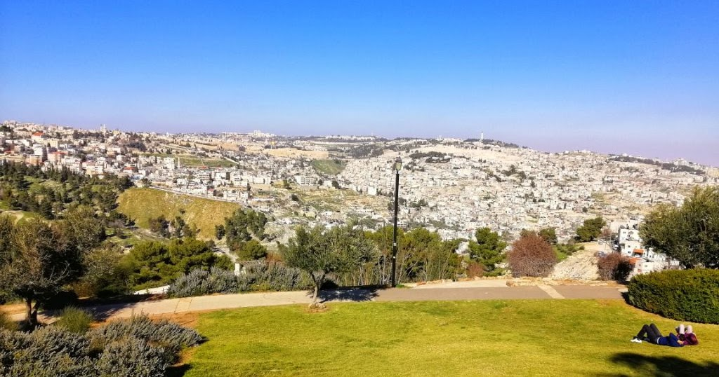 Tibanya Sang Khalifah Di Bukit Jabal Mukabbir Yerusalem Life Is A Journey